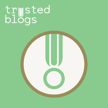 Trusted Blogs Logo
