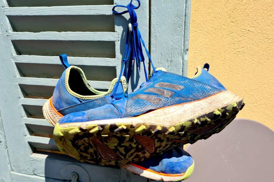 Dieses Paar Schuhe habe ich bei meiner ersten Fernwanderung wortwörtlich durchgelaufen
