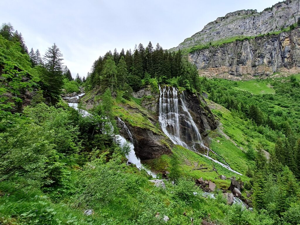 Grande Traversée des Alpes Teil 2: Cascade de la Sauffaz