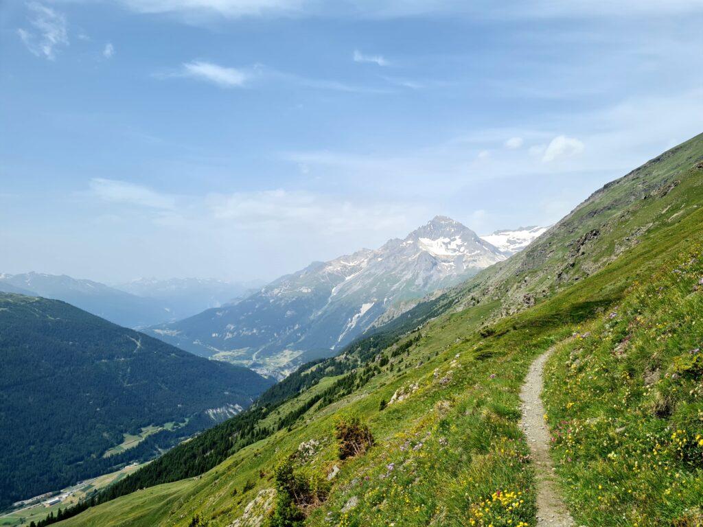 Grande Traversée des Alpes Teil 5: Balkon über dem Arc-Tal mit Blick auf Dent Parrachée