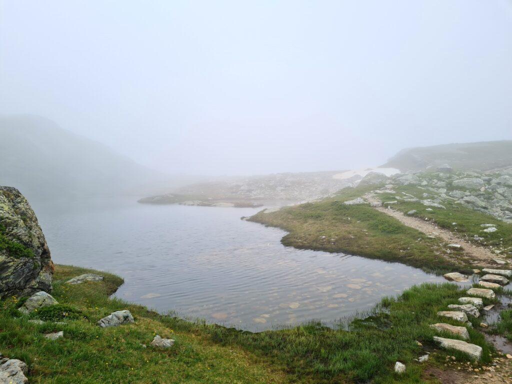 Grande Traversée des Alpes Teil 5: Lacs des Lozières im Nebel