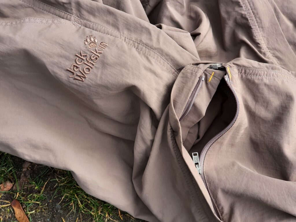 Abzippbares Bein der Jack Wolfskin Canyon Zip Off Pants