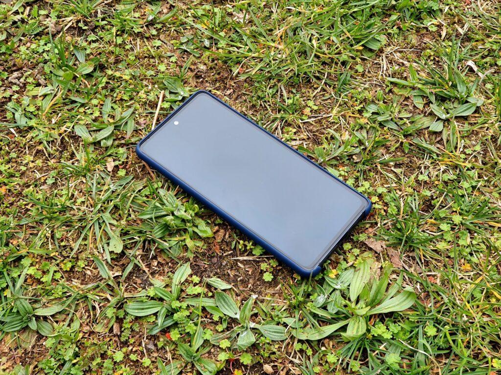 Samsung Galaxy S20 FE mit Samsung-Silikon-Cover