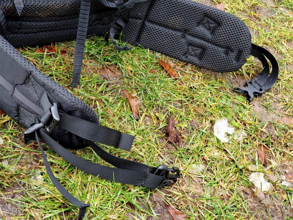 Der Hüftgurt des Zpacks Arc Zip 57L Backpack ist gut gepolstert und vierfach verstellbar